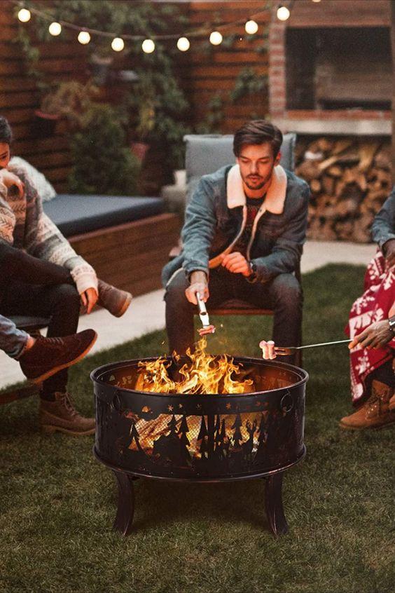 Kreisförmige Struktur und benutzerfreundliches Design: Die kreisförmige Feuerstelle im Garten mit Funkenschutzgitter kann Luft und Wärme zirkulieren lassen, um Ihnen kontinuierliche Wärme und Komfort zu bieten. Es ist keine quadratische Feuerschale, sondern eine runde Form, die den Erwärmungseffekt erweitern kann. Ein gut belüfteter Stahlgrill kann mehr Wärme liefern. Außerdem können Sie die interne Feuerquelle klar erkennen und Holz hinzufügen oder... *Pin enthält Werbelink