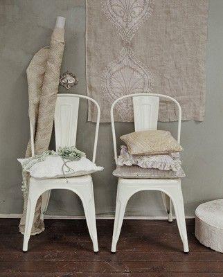 beunruhigte weiße metallstühle | möbelideen, Esstisch ideennn