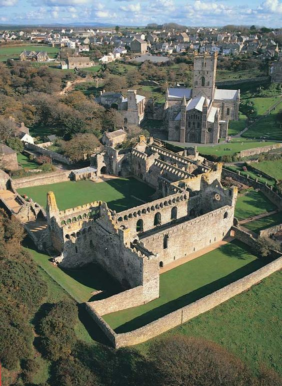 St Davids Bishops Palace and St Davids Cathedral in background, St. David's, Pembrokeshire, Wales