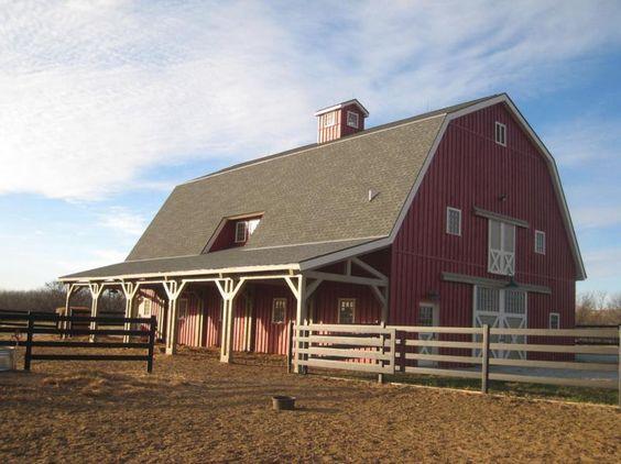 I love traditional barns!