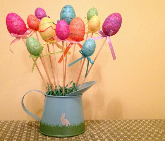 Dollar store easter egg bouquet a great diy table decor for Easter egg decorating ideas crafts