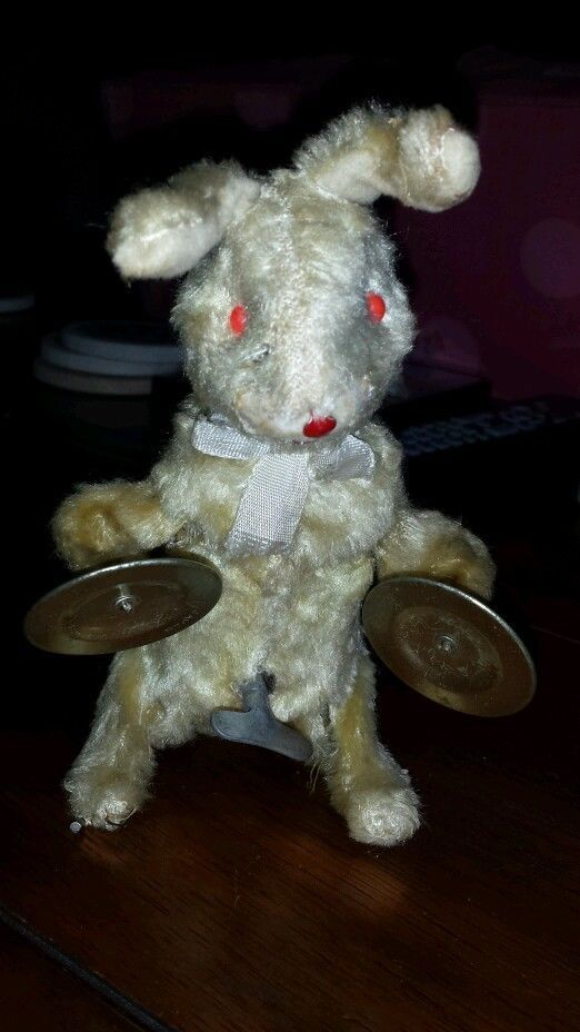VINTAGE BUNNY RABBIT W/ CYMBALS WIND UP TOY