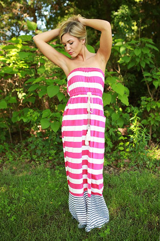 Feeling on top of the world needs an outfit to match! This maxi is comfortable and unique with its fun stripes and pockets!