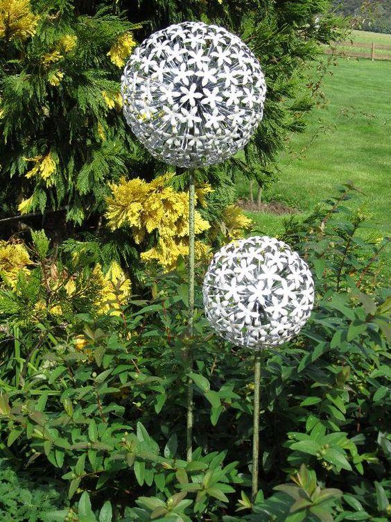 Superb Allium u Gartenstecker gro in wei Art gartenkeramik Pinterest Gartenstecker Metall und Gartenkeramik