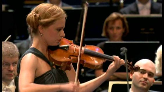 Julia Fischer - Hindemith - Finale from Sonata for Solo Violin, Op 11, No 6