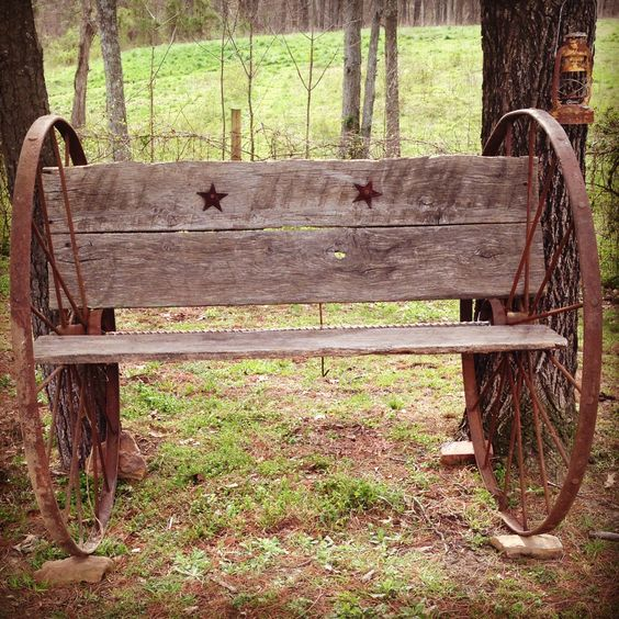 Homemade Antique Bench Out Of Wagon Wheels And Barn Wood Pieces Great Outside Decor Dreaming