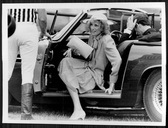 1984 Princess Diana Prince Charles Stepping Out Press Photo | eBay