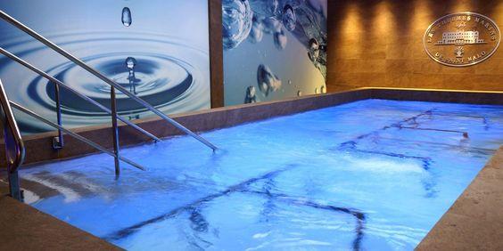 Piscine de soins - Le Grand Hôtel des Thermes - 5 étoiles - Saint-Malo #bretagne #brittany #hotel #swimmingpool #indoorpool #interior #spa #france