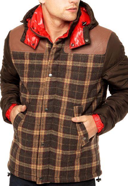 Só um casaco bonito pra caralho e caro pra caralho de passagem.