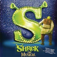 Shrek The Musical - Unitevi al nostro eroe Shrek, orco verde e malizioso, e al suo leale amico Ciuchino nel loro tentativo di salvare la Principessa Fiona, tenuta prigioniera in una torre da un terribile drago.  Il terrificante segreto della Principessa trascinerà Shrek ...