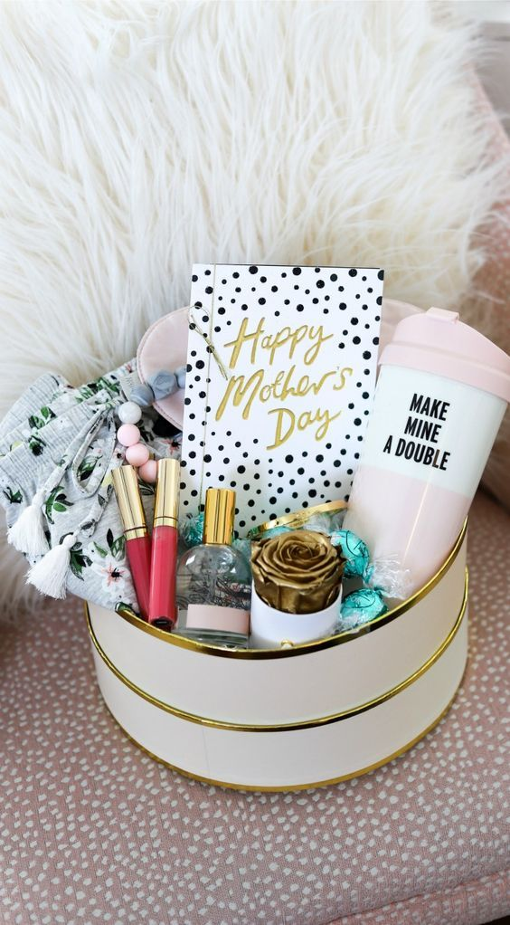 24 Creative Diy Mother S Day Gift Ideas Your Mom Will Love In 2020 Cute Mothers Day Gifts First Mothers Day Gifts Diy Baby Shower Gifts