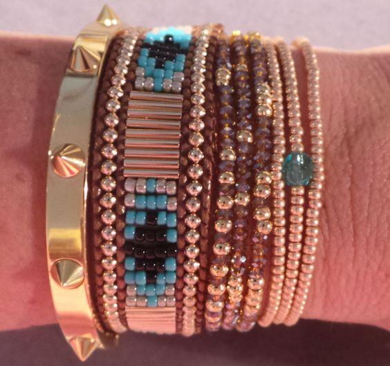 Combinaison de bracelets or et turquoise