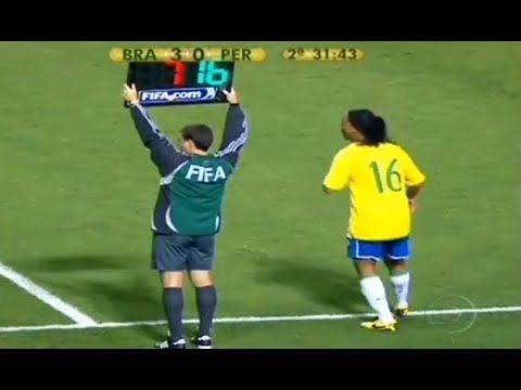 The Day Ronaldinho Substituted Changed The Game Youtube Sports Highlights Sports Soccer Workouts