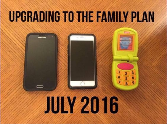 Baby announcement. Cellphone themed baby announcement. Creative way to announce pregnancy. Pregnancy announcement. Easy DIY pregnancy announcement.