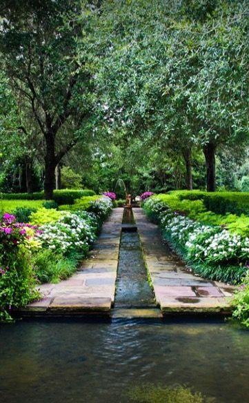 38 Glorious Japanese Garden Ideas: Garden And Garden Pool With Formal Stream.