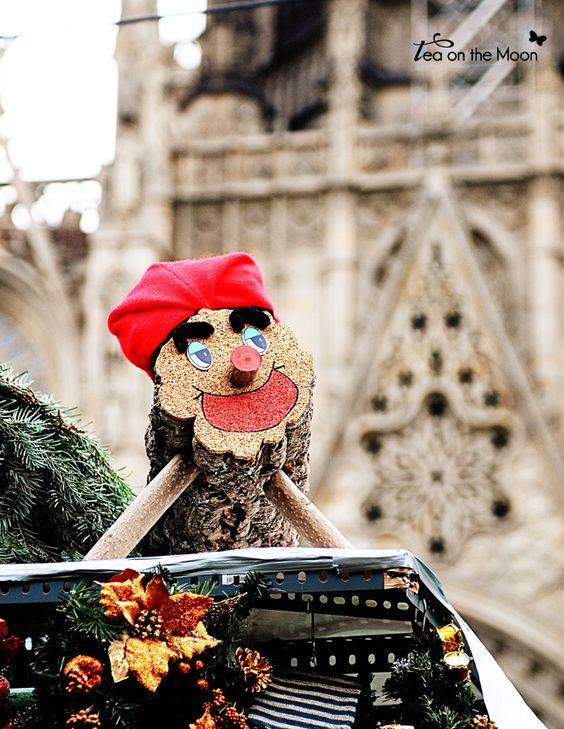 Mercado de Navidad Santa Llucia - Barcelona- Tío nadal - www.teaonthemoon.com