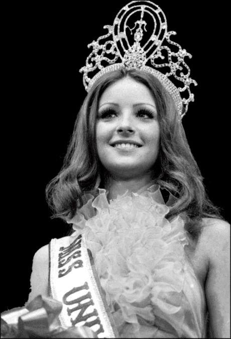 Amparo Munoz – 1974, Spain
