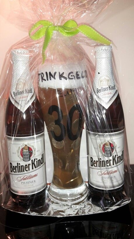 """Geldgeschenk zum 30. Geburtstag als """" Trinkgeld im Bierglas """" ( aus klarem Tortenguss mit Apfelsaft und einer Schaumkrone aus Watte)"""