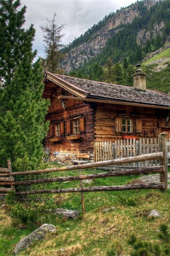 Cabin logs and cabins in the mountains on pinterest for Log cabin dream homes