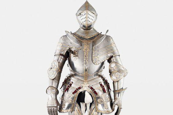 Armure du roi François Ier - Réalisée à Innsbruck, vers 1539 ou 1540, cette armure d'apparat a appartenu au roi de France, vainqueur de la bataille de Marignan, François Ier.  © Paris, musée de l'Armée