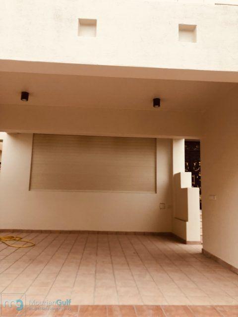 للإيجار فيلا راقية في قرطبة دورين وسرداب 7 غرف صالات حديقة غرف خدم وسائق مواقف 6 داخلية وخارجية 3000 دينار Home Decor Home Decor