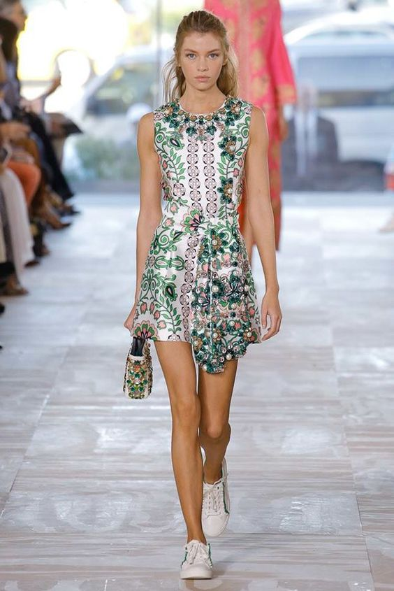 Tory Burch Spring 2017 Ready-to-Wear Fashion Show