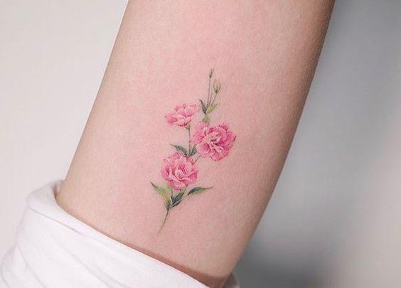 Linker Knochel Mintgrun Nelken Flowertattoos In 2020 Nelke Tattoo Wasserfarben Tattoo Tatowierungen