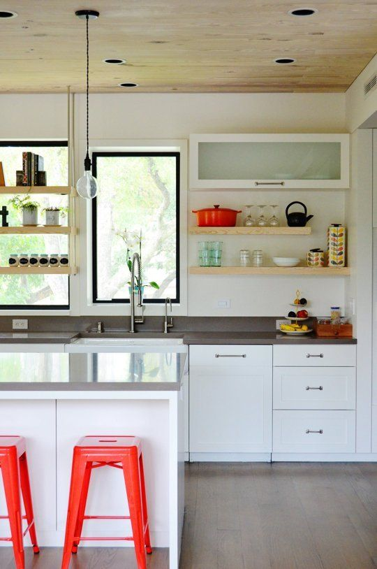 3 Super Quick Decorating Fixes for Rental Kitchens | Apartment Therapy