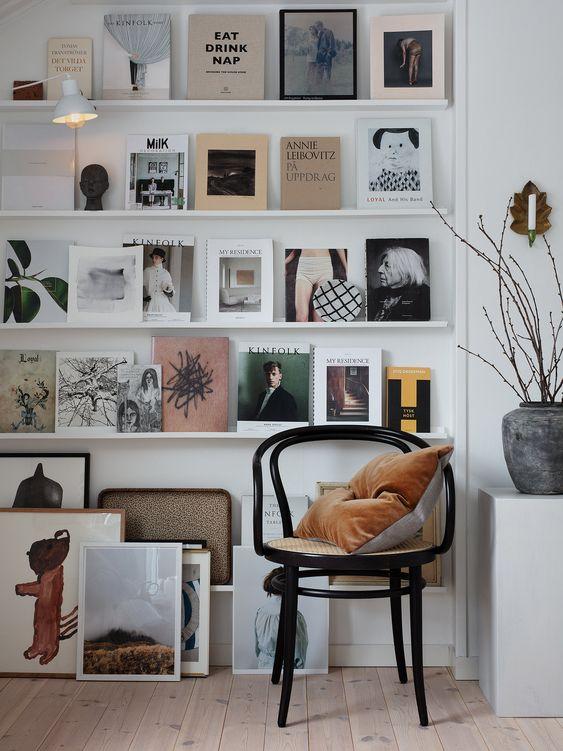 壁一面 本棚 見せる 表紙 インテリア コーディネート例