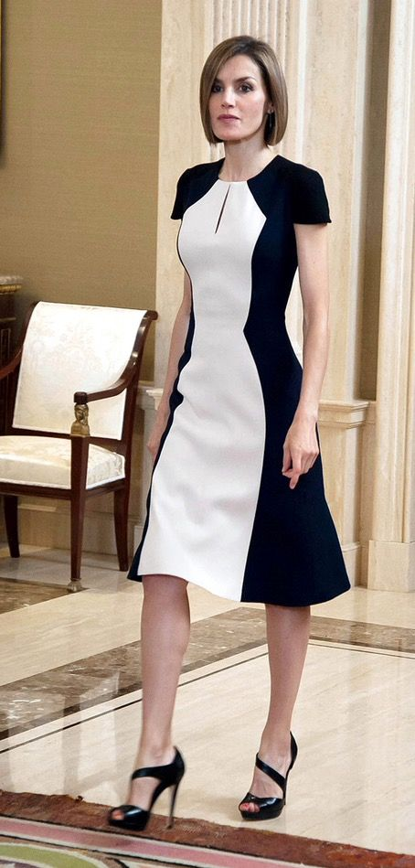 Mujeres siempre a la moda y elegante de blanco y negro. Women always fashionable and stylish black and white.: