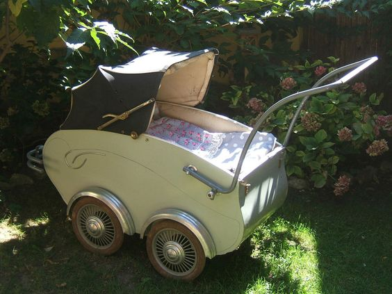 Alter französischer Kinderwagen original 50er / 60er Jahre, blau-grau, Aubert