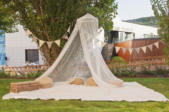 Boda en el museo, boda industrial en el museo Würth. Boda al aire libre. Organización de bodas y wedding planner La Rioja. Diseño y decoración de eventos