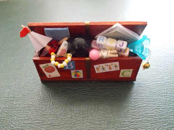 1/12th Scale...Dolls House...Handmade By Make Believe Miniatures...Toy Box.
