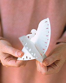 Paper Plate Angels @ Martha Stewart::