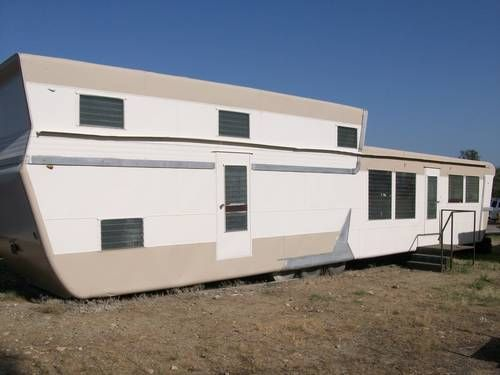 1959 tri level pacemaker 11 000 trailer park for Tri level homes