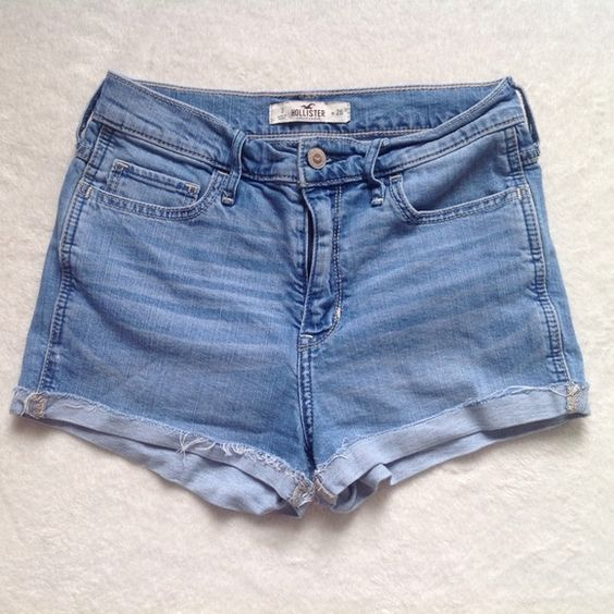 """Hollister high rise shorts, size 3 Hollister medium wash high-waisted shorts. Size 3, waist 26"""". Perfect for spring break! Bundle to save! Hollister Shorts Jean Shorts"""