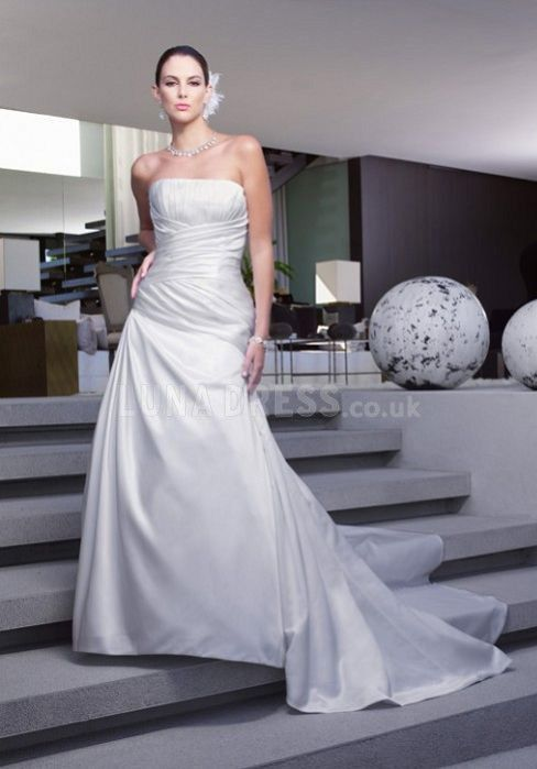 Luxury Spring A line Strapless Satin Court Train Bridal Dresses