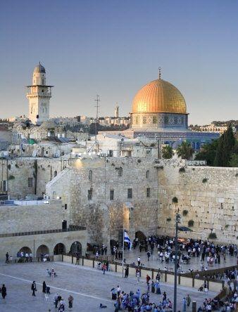 Israel - Jerusalem... Eu irei lá! einmal möchte ich auch an der Klagemauer stehen und die Stadt und deren Geschichte erkunden..Kurti                                                                                                                                                      More