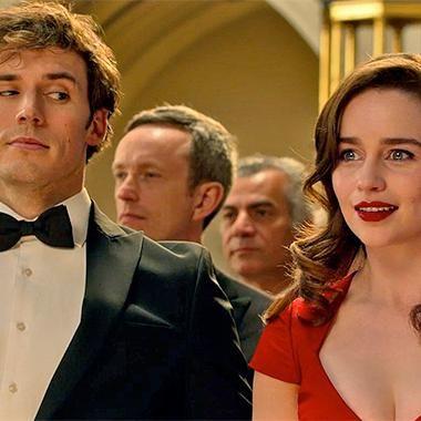 Movies: Sam Claflin woos Emilia Clarke in Me Before You trailer - CENA EM QUE LOU VAI AO SEU PRIMEIRO CONCERTO DE MÚSICA CLÁSSICA E MARAVILHADA NÃO PERCEBE O OLHAR DE WILL.