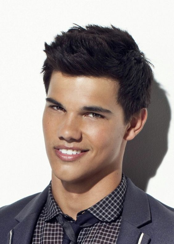 The IRRESISTIBLE Taylor Lautner!