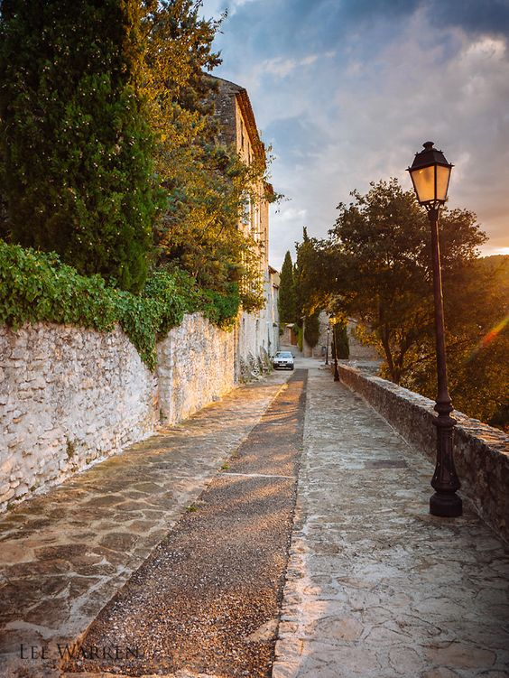 Vaison-la-Romaine, France (by Lee Warren Photography)