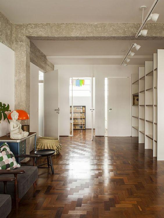 Impressive open plan apartment in São Paulo by Maurício Arruda architects + designers