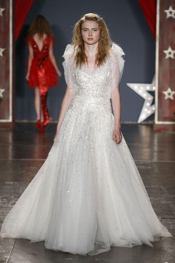 d1697fb404920e Модні весільні сукні 2018: 5 головних трендів - Жіночий журнал ...