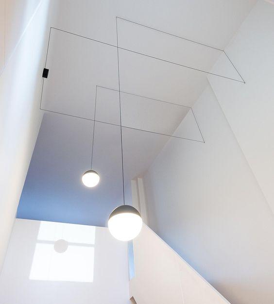 Необычные потолочные светильники Flos