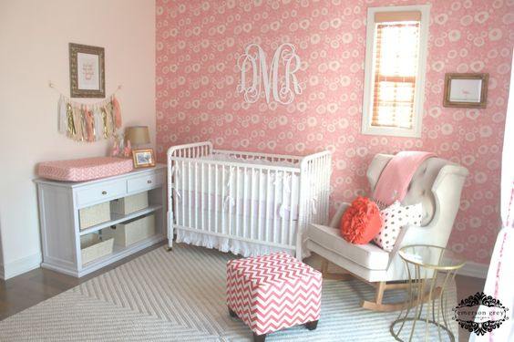 This is such a lovely shade of pink, and the pops of gold add a trendy touch! #nursery #babygirl