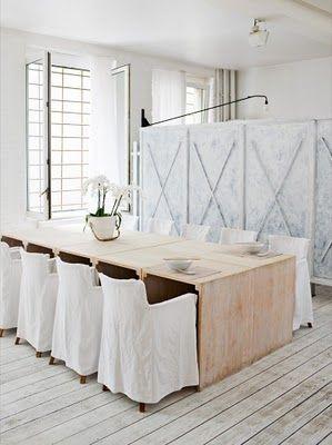I love white rooms...