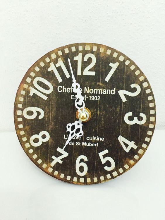 Clock; vintage - Soli Savoretti