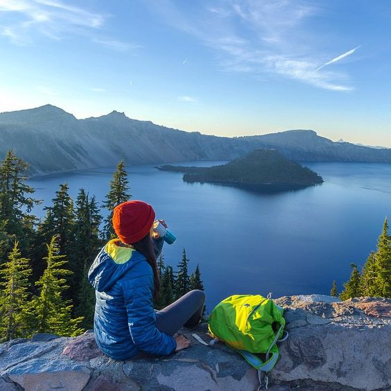 reaching new peaks. #ThePowerOfCalm  @tiffpenguin takes in the view at Crater Lake