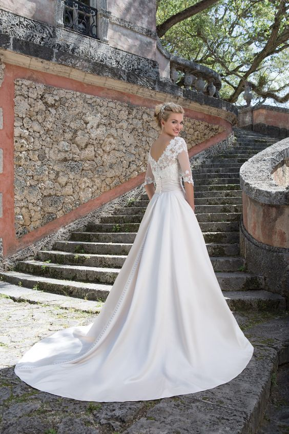 The Grace Kelly inspired ball gown - Sincerity Bridal Wedding Dress - Spring 2016 bridal collection | itakeyou.co.uk #weddingdress