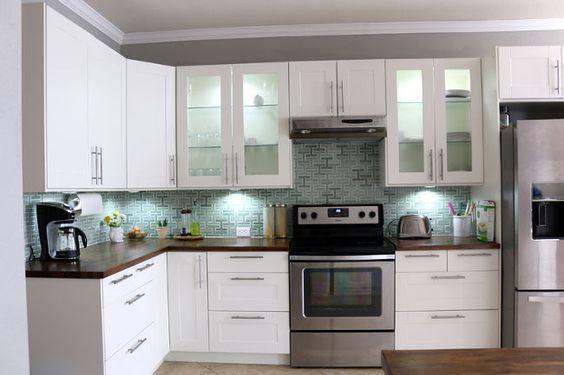 install under cabinet light on a budget, home decor, kitchen cabinets, kitchen design, lighting